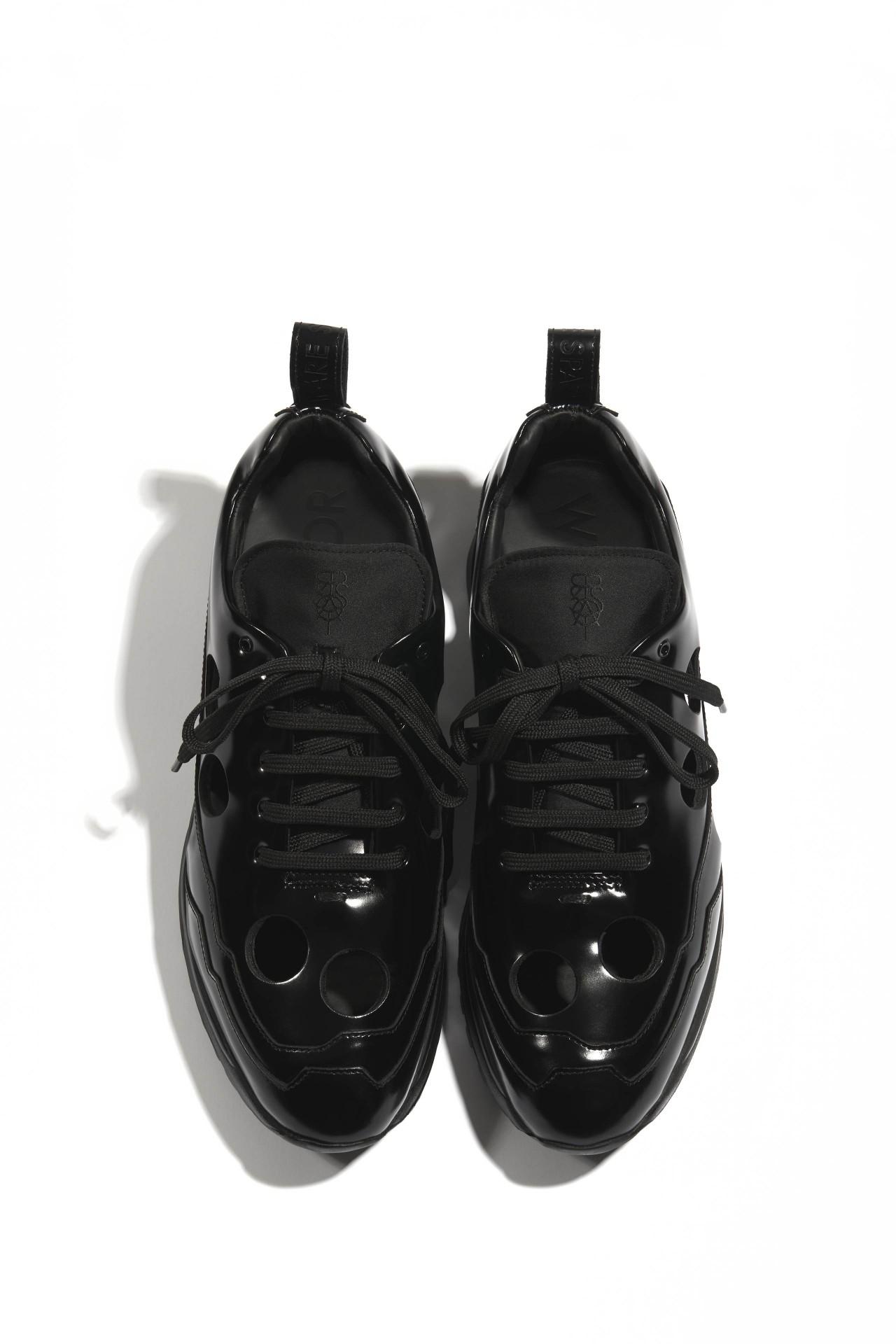 TRENT V1 BLACK